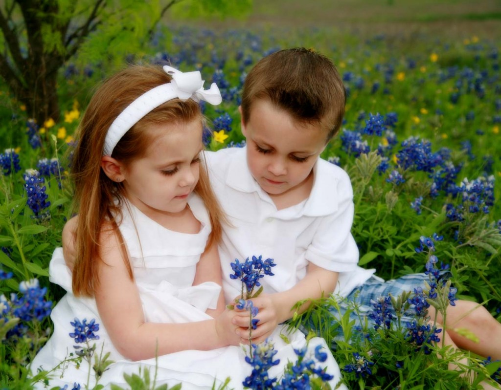 Love Wallpapers For Brother : Top 5 Reasons to build a stronger Sibling Bond - Tutevilla