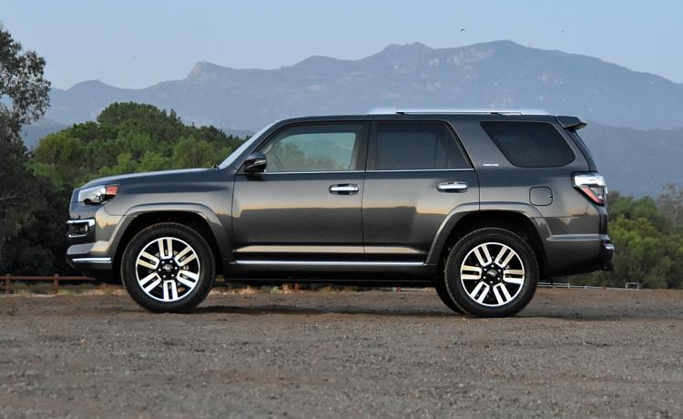 NYDN_2017-Toyota-4Runner-Limited-Dark-Gray-Profile