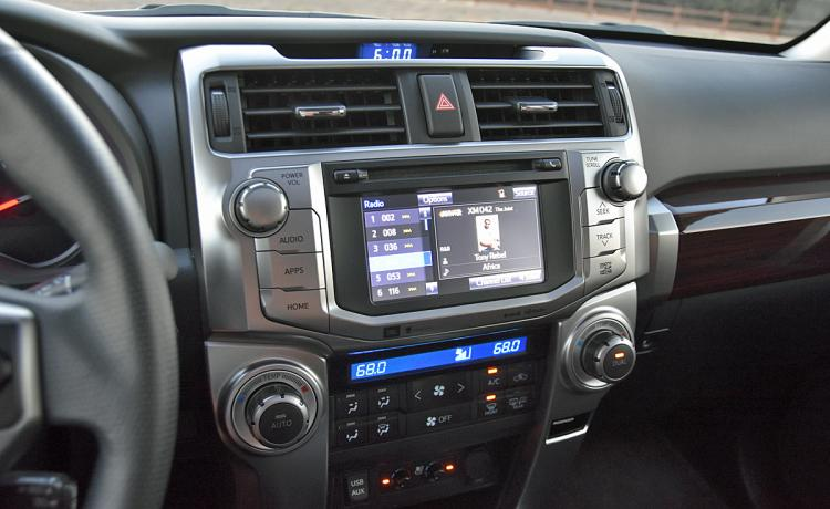 NYDN_2017-Toyota-4Runner-Limited-Infotainment-System