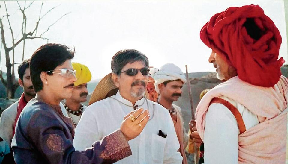 Amol Palekar shooting Paheli, with Shah Rukh Khan and Amitabh bachchan. The tale of a woman in love with a ghost was India's Oscar hope in 2006.