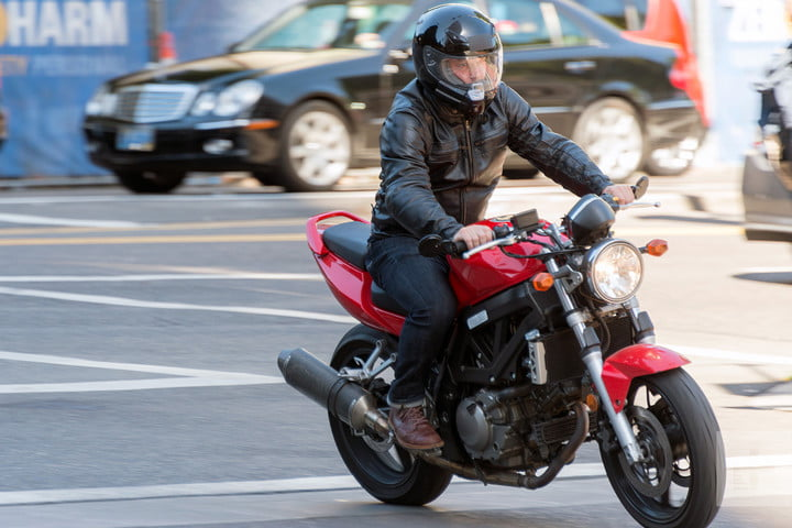 NUVIZ HUD review riding full
