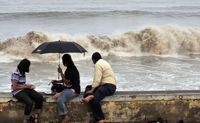Cyclone Ockhi: Schools, Colleges In Mumbai, Parts Of Maharashtra Closed Tomorrow