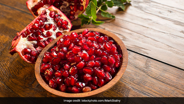 deseeding pomegranate